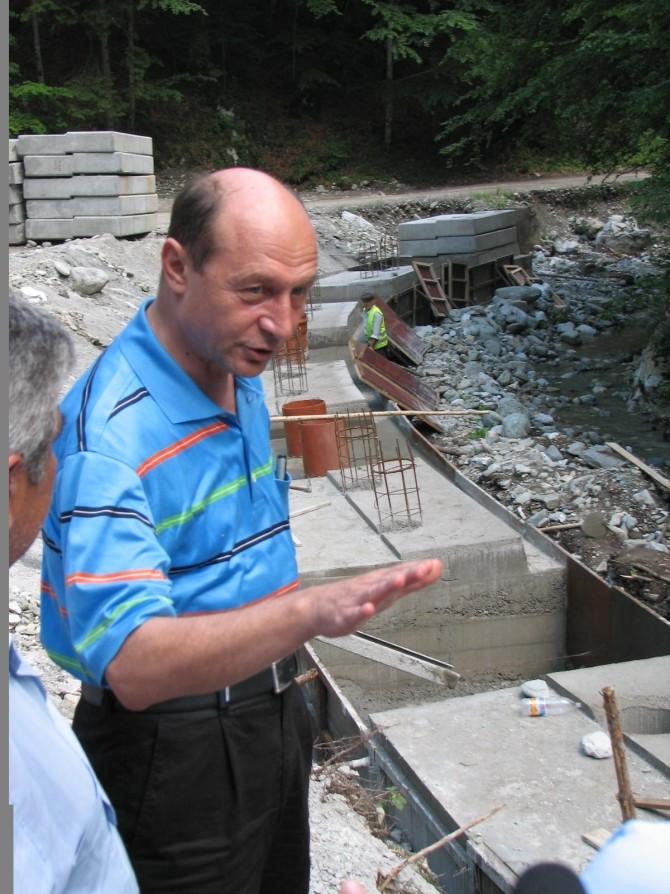 Basescu inundatii