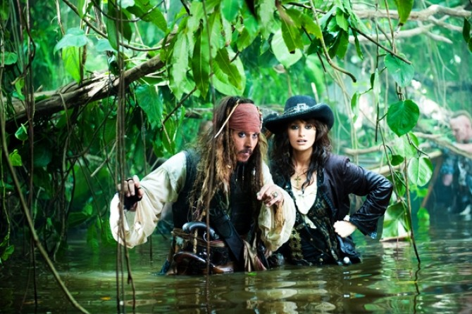 piratii-din-caraibe-pe-ape-si-mai-tulburi