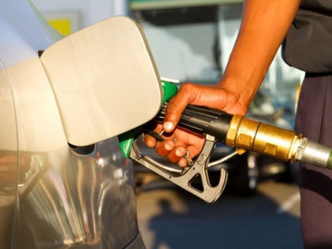 pompa-benzina-publimedia-shutterstock