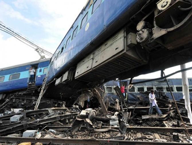 tren-deraiat-india-cnn