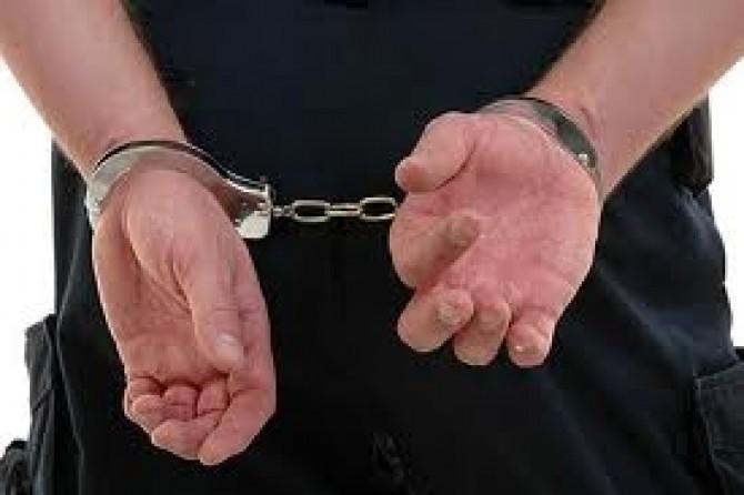 poliotistii au arestat doi spargatori de locuinte