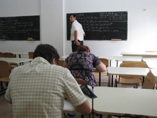 profesori suplinitori la examen