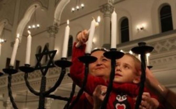 sarbatoarea_evreilor_de_purim__la_sinagoga_din_brasov