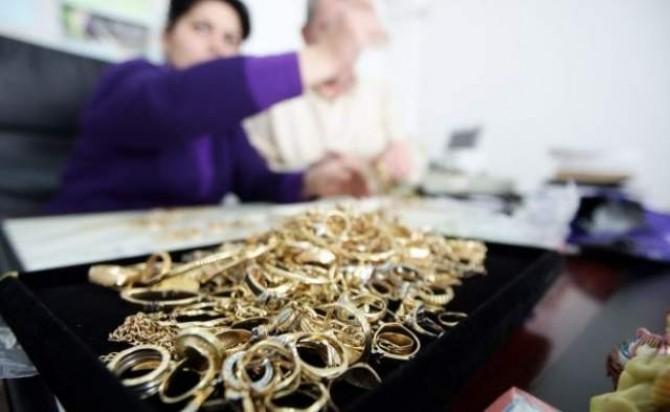 bijuterii-din-aur-si-argint-confiscate-de-comisari