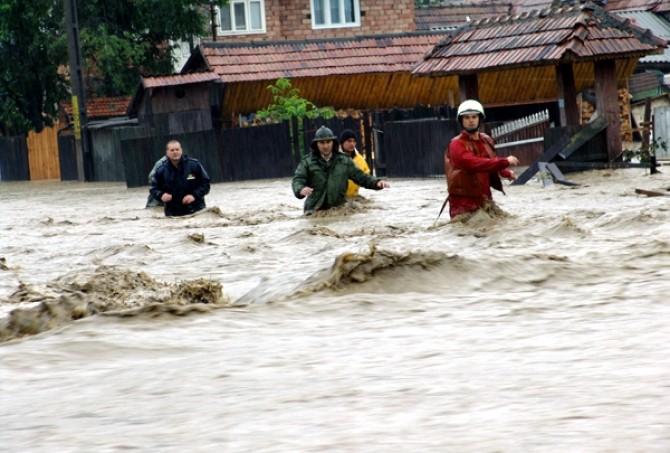 inundatii_oameni