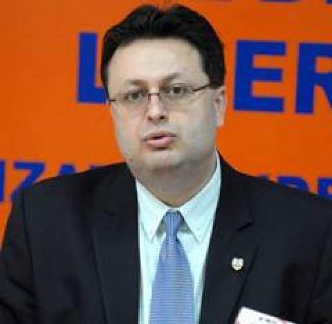 Senatorul-PD-L-Marius-Necula--acuzat-ca-a-furat-un-brevet-de-inventie