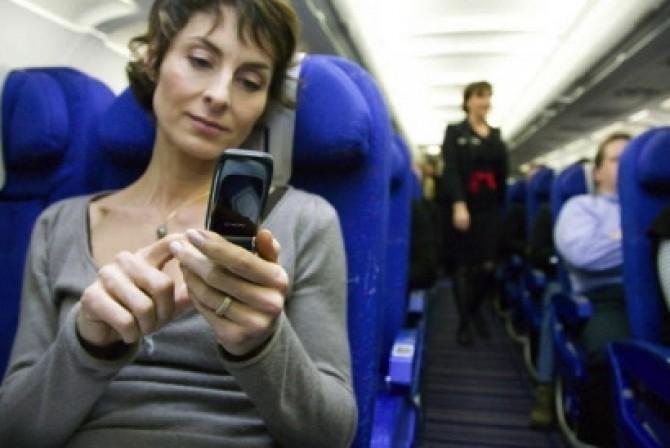 De ce e important sa inchidem telefonul in avion