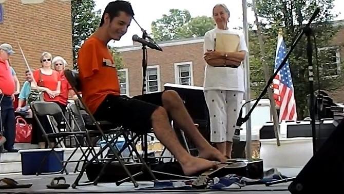 566878-george-dennehy-feet-guitar-player