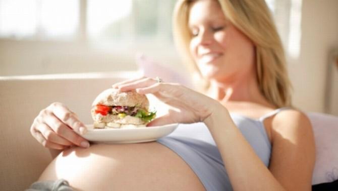 painea trebuie innclusa in meniul gravidelor