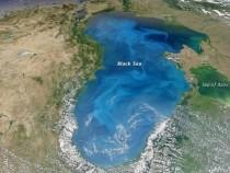 Marea Neagra este albastra