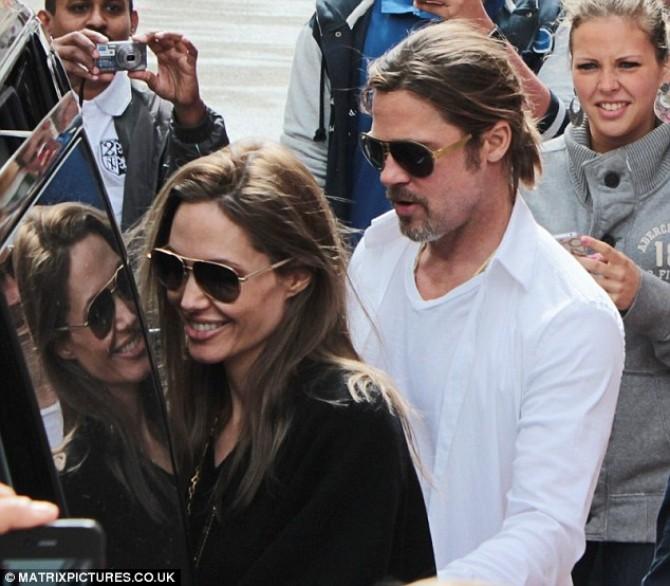 Angelina Jolie si Brad Pitt