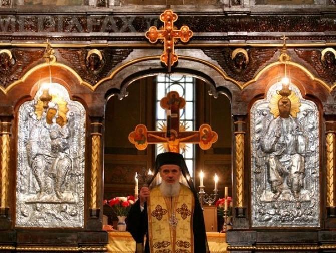 biserica-altar