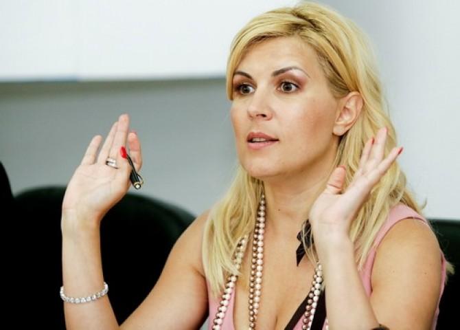 Elena Udrea 3