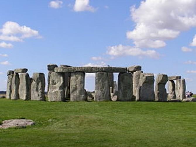 Stonehenge2007_07_30