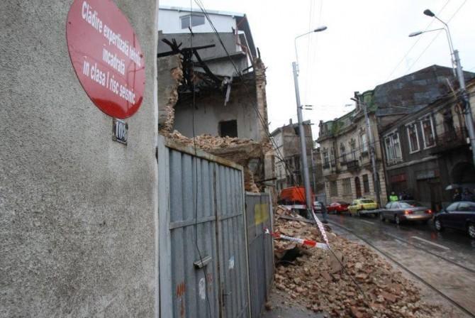 Clădire cu risc seismic
