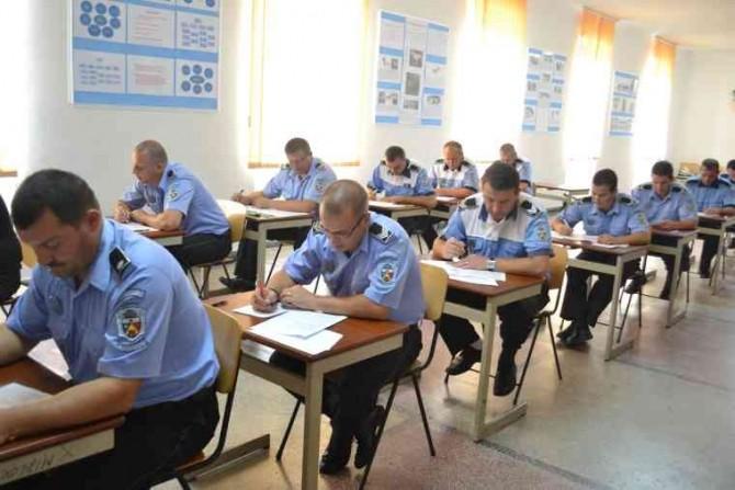 Examen poliție ziare.com