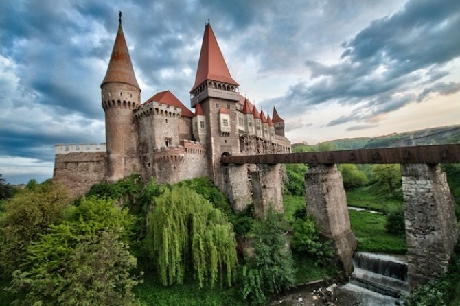 castelul_corvinilor