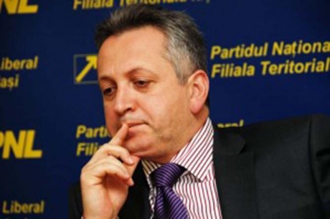 Relu Fenechiu acuzat