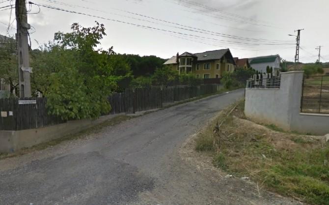 un-britanic-ii-scrie-lui-boc-eminenta-cand-ne-asfaltati-strada1376893963