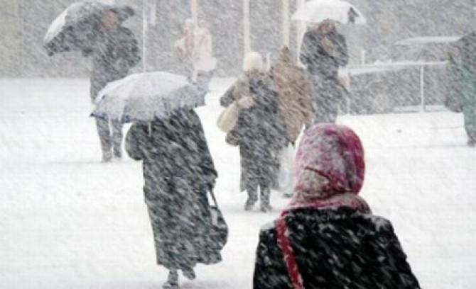 frig-lapovi-a-i-ninsoare-asta-ne-a-teapta-in-urmatoarele-zile-iarna-i-i-intra-in-drepturi-174919