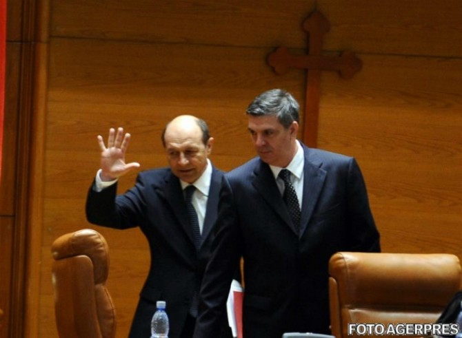 Basescu zgonea.jpeg