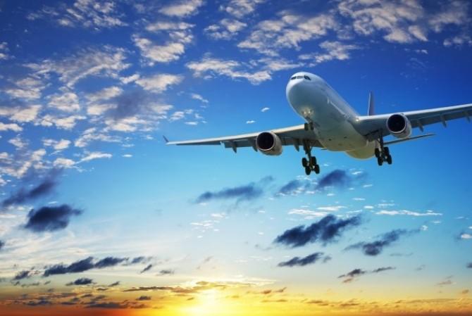 avion-boeing-787-cruzando-el-horizonte-al-atardecer-big-aircraft-flying-1920x1200-wallpaper--640x428