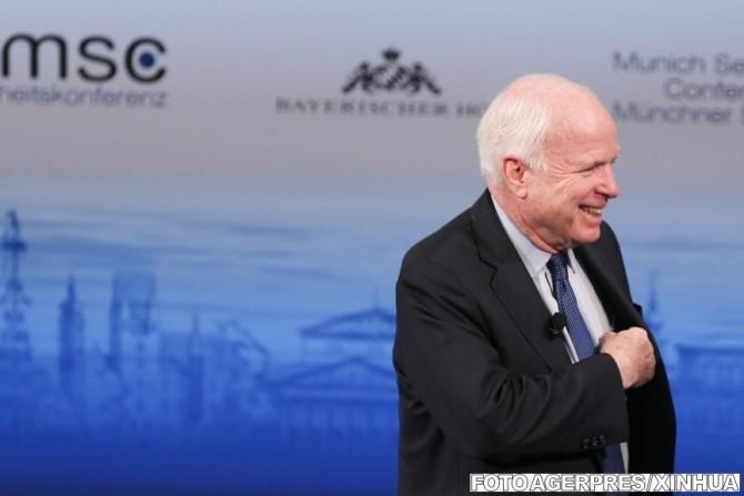 senatorul american McCain