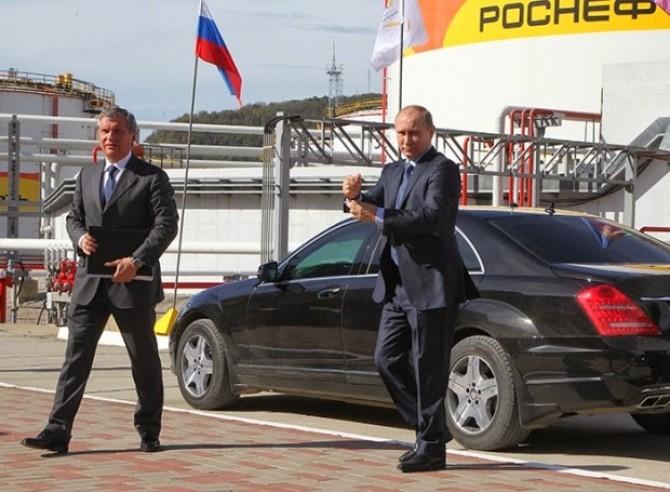Vladimir Putin și Igor Sechin