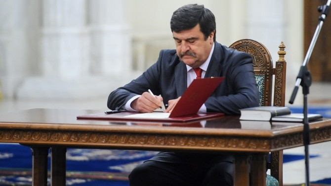 Iohannis, motiv refuz miniștri. Greblă: Precedent foarte, foarte periculos