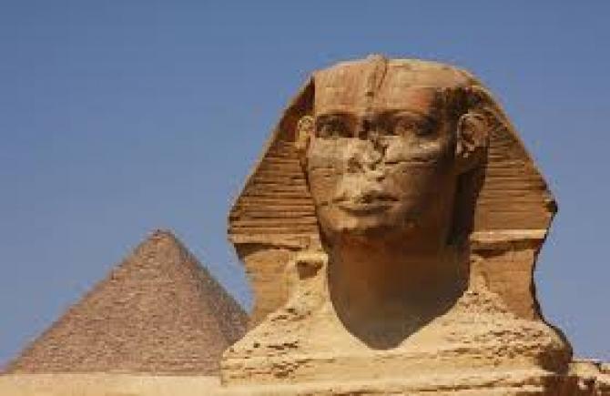 Morminte-vechi-piramide-Giza