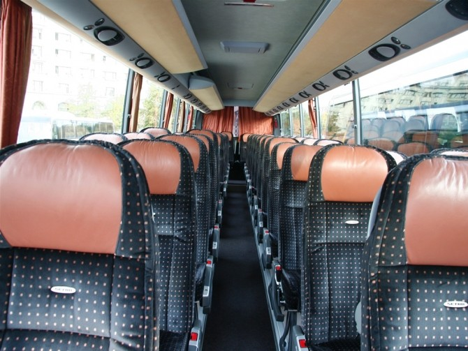 Autocar - imagine ilustrativă