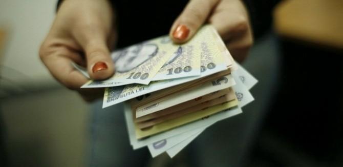 Numărul restanţierilor la bănci şi IFN-uri a crescut