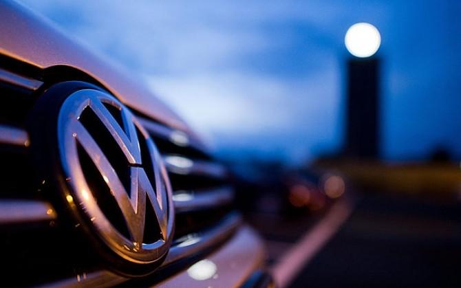 Volkswagen ia în calcul deschiderea unei fabrici în România