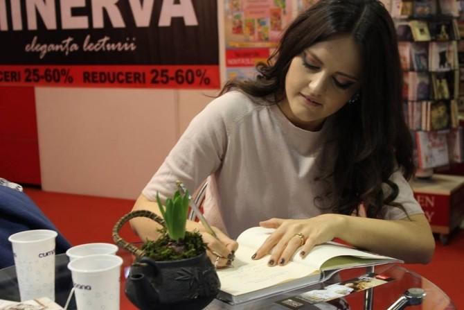 (w670) Ziarista A