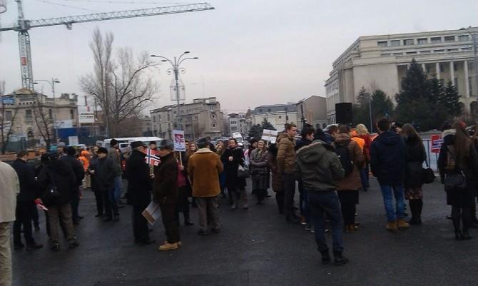 Fotografie publicată cu o jumătate de oră înaintea începerii protestului