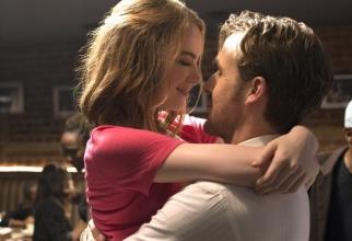 Emma Stone și Ryan Gossling în La La Land