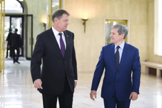 Miza referendumului: cine intră în turul doi la prezidentiale: Iohannis sau Cioloș