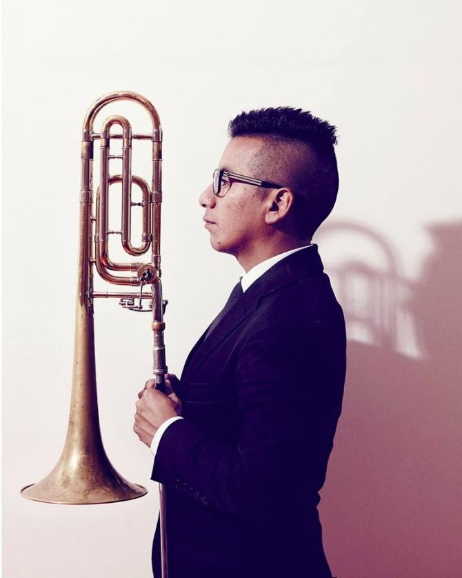 Jazz-cafe, Humberto Amesquita