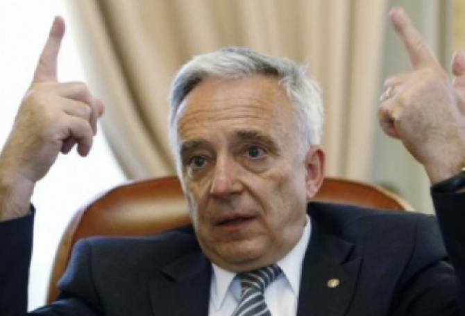 Mugur Isărescu, guvernator BNR, anunț
