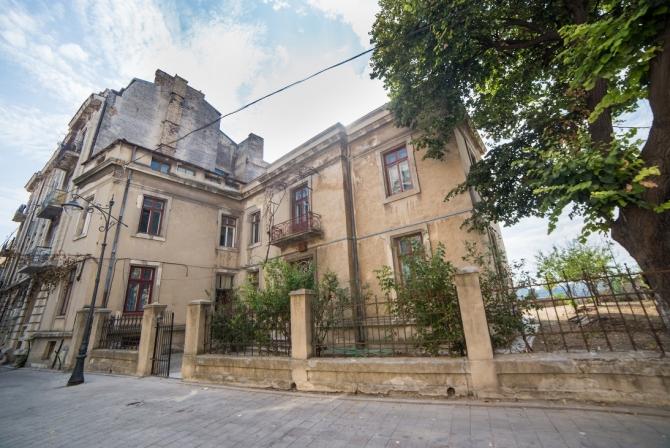 (w670) Casa Laska