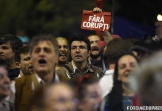 Proteste gratiere corupti