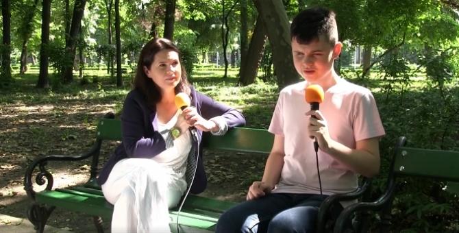 Adriana Săftoiu şi Dragoş. Foto - captură video Facebook