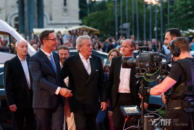 Alain Delon şi Tudor Giurgiu la Gala de închidere. Foto Nicu Cherciu