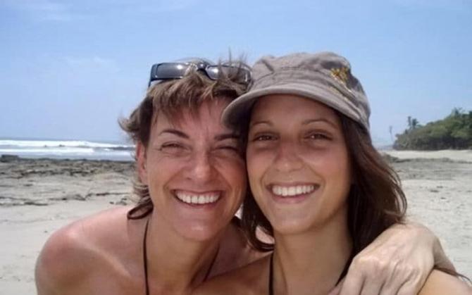 foto: Elise Dallemange  (dreapta)