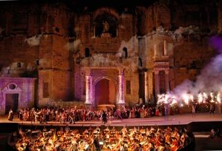 Spectacol fastuos în miticul teatru antic