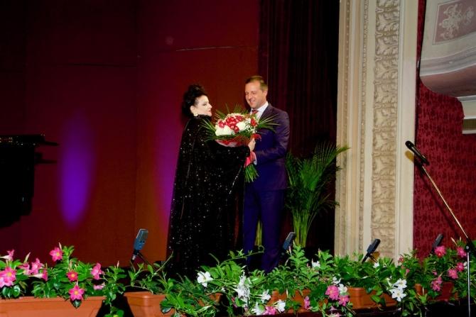Primarul Municipiului Brăila, Viorel Marian Dragomir, şi Mariana Nicolesco la Deschiderea Festivă