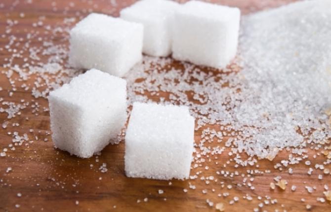 Zahăr, consum exagerat. Simptome ce nu trebuie ignorate
