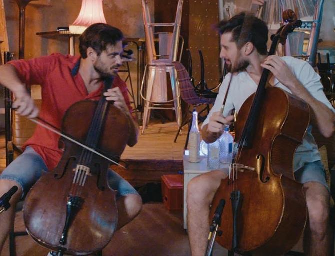 (w670) 2 Cellos