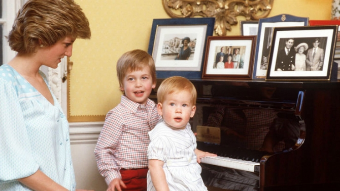 Lady Diana cu printii William si   Harry