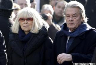 Alain Delon  alături de femeia vieții lui, actrița Mireille Darc